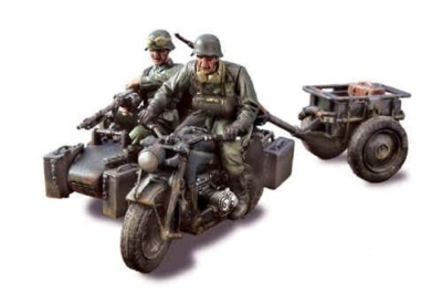 Forces of Valor's 1:32 scale German Zundapp KS 750 Motorcycle with Sidecar - 14.Panzer Division, Eastern Front, 1943